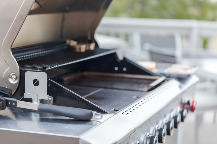 WK grill hinges empty grill