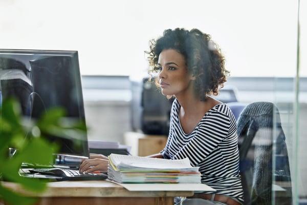 ergonomic desk setup - best position for a computer screen